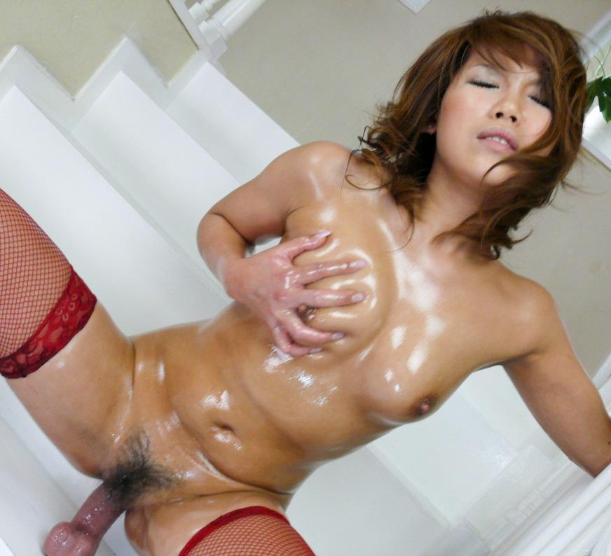 Akiho Nishimura prepares herself with oil and dildo for her scenes in