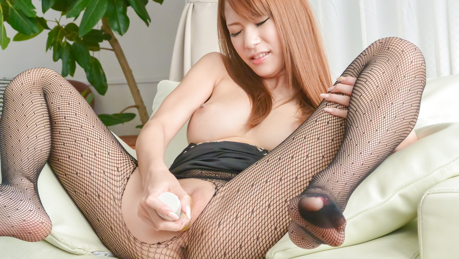 Asian huge dildo to please naughty Nami Itoshino