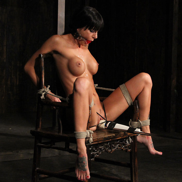perfect slave lesbian bondage