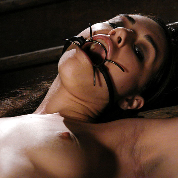 Sasha Grey dominated by Princess Donna in a BDSM video at Wired Pussy. One of the first FemDom videos of the 19 years old Supermodel. Sasha is nude, blindfolded, electro tormented, bound and forced to orgasms.