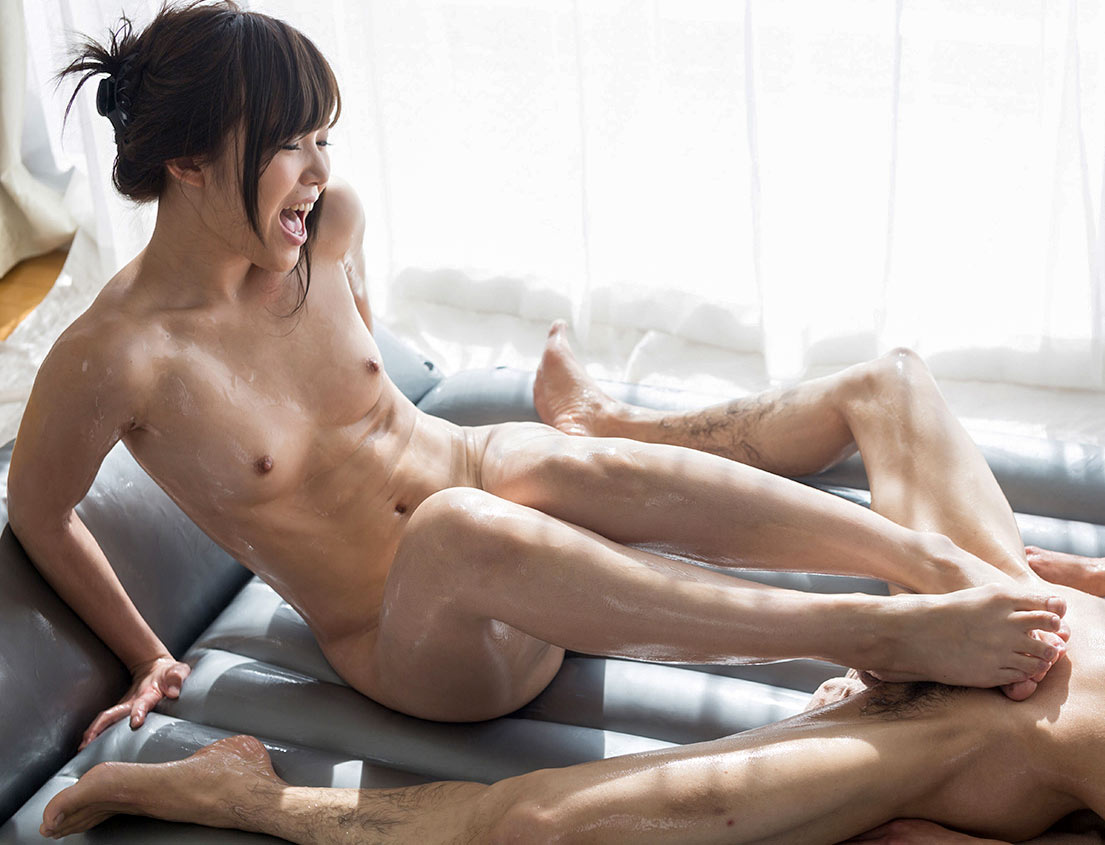 Full Body Footjob. Shino Aoi, nude in an uncensored Japanese intercrural Fetish video at Legs Japan.