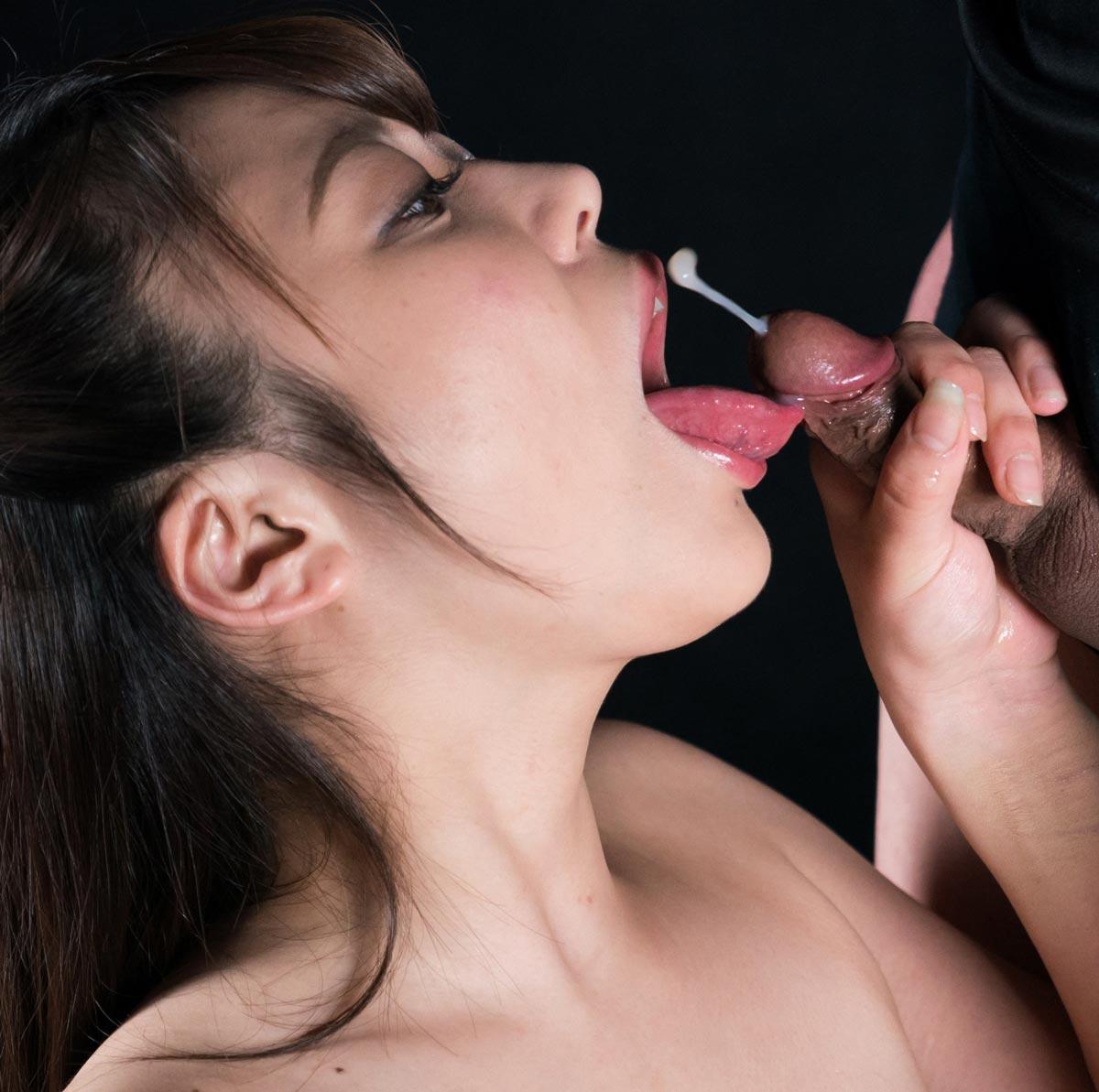 Yui Kawagoe's Cum Covered Group Handjob, A nude JAV Idol in an uncensored Sperm Mania video.