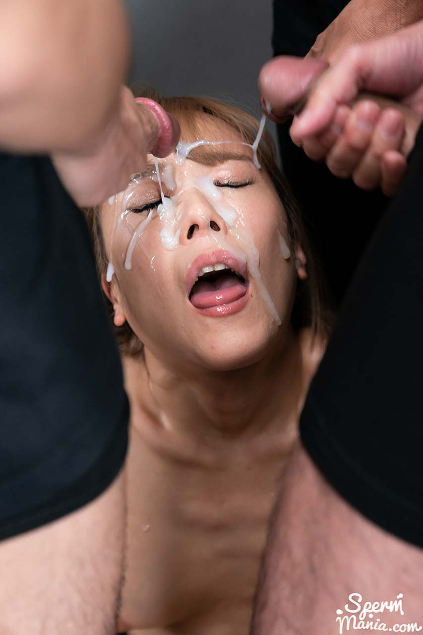 Nanako Nanahara Bukkake Facial in an uncensored SpermMania video. The nude Japanese girl receives many cumshots on her face.