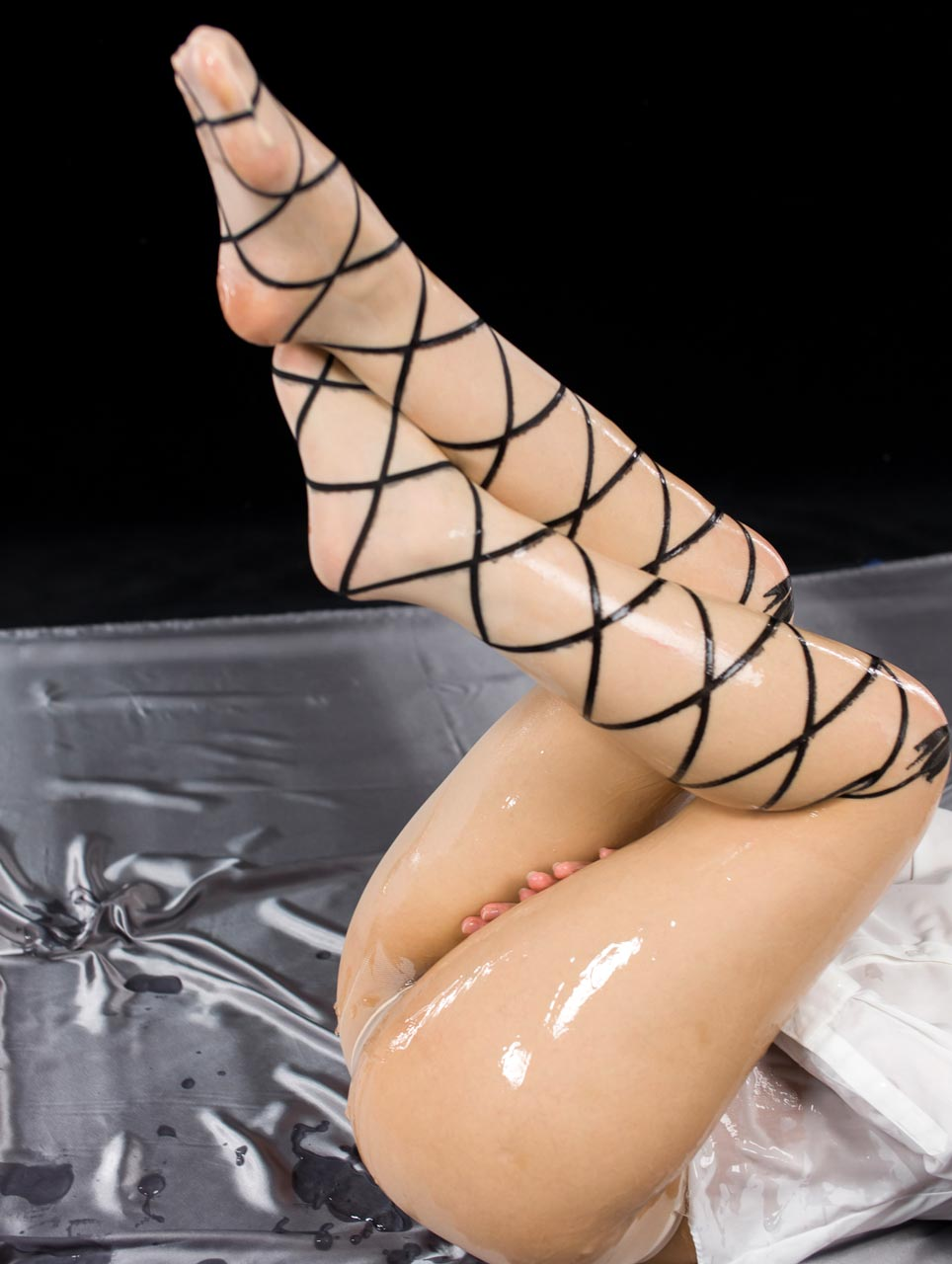 Pantyhose Fetish at LegsJapan. Leg and Foot fetish porn with Yukari Toudou, nude and uncensored.