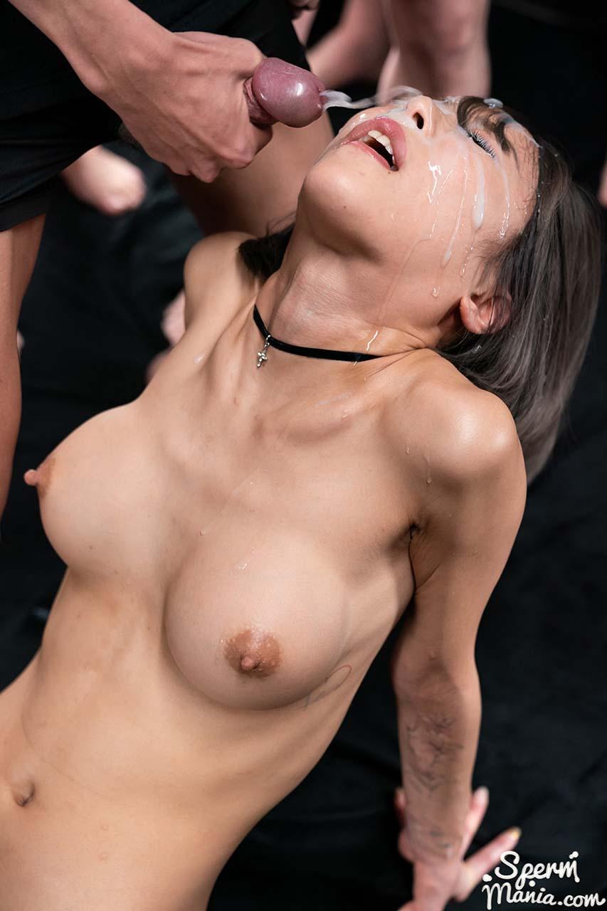 Nanako Nanahara SpermMania Bukkake and Facial Cumshots in an uncensored video from Japan.