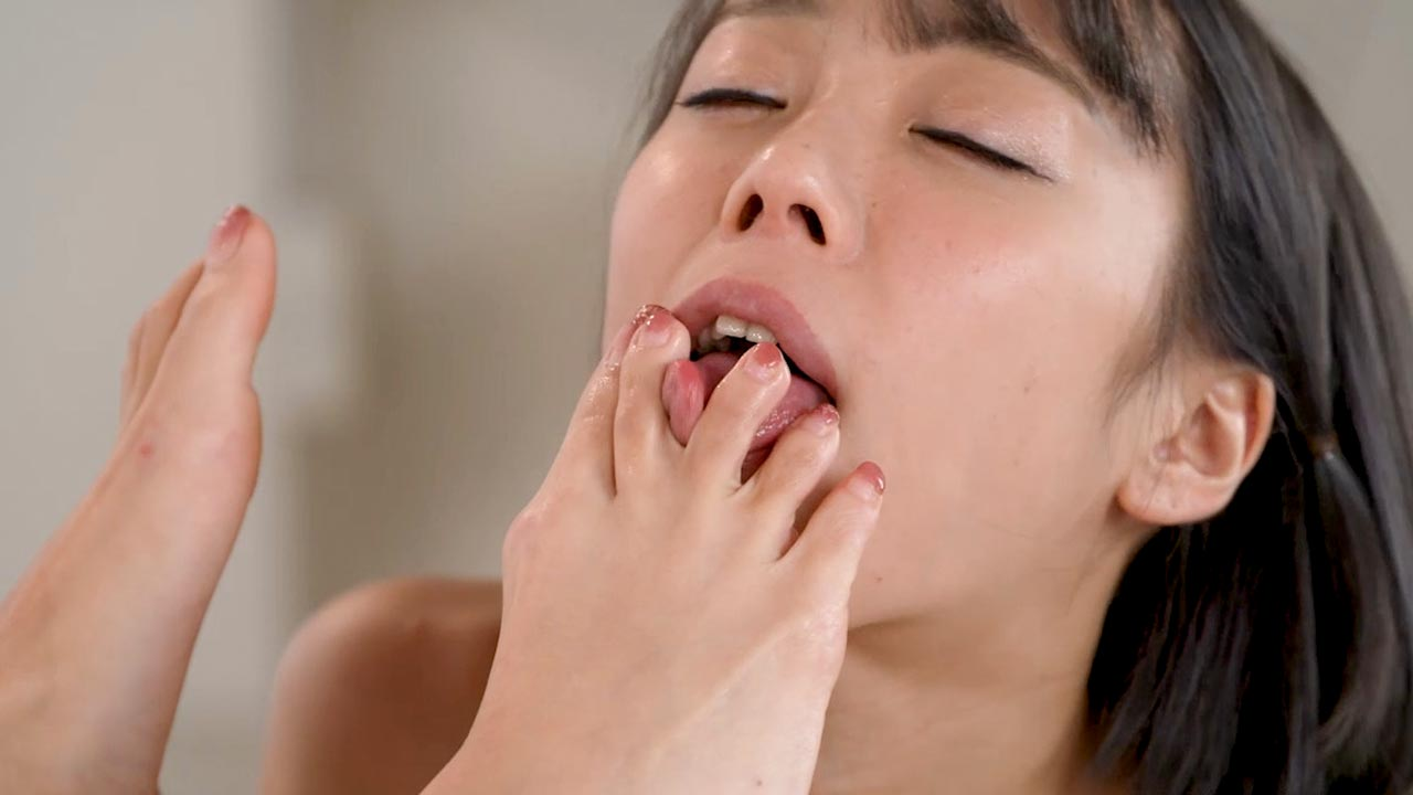 Iroha Tsubaki & Nanako Nanahara Lesbian Foot worship in a Leg and Foot Fetish video from UraLesbian. Two nude Japanese girls licking toes and feet.