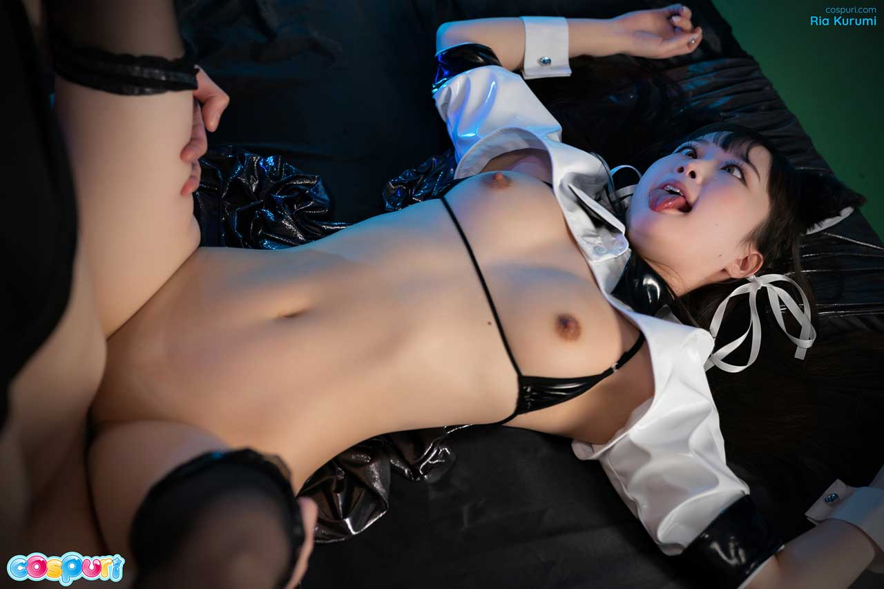 Ria Kurumi in a Cosplay Gangbang video. The nude girl makes Ahegao faces while being fucked by many guys. She wears nothing but a Harajuku costume in this uncensored cospuri Fetish movie.